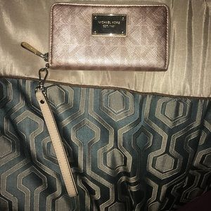 MICHAEL KORS rose gold wallet/wristlet